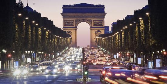 tempat wisata terkenal di paris