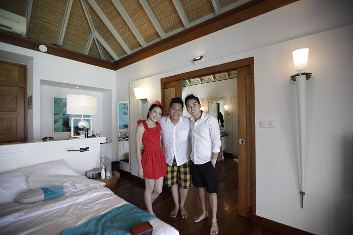 Di dalam kamar prestige water villa