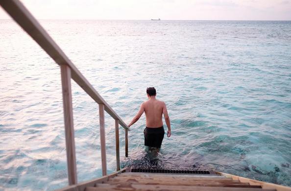 artis liburan ke maldives