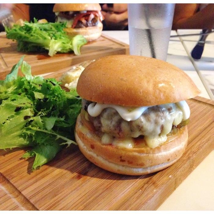 mendem burger singapore 5