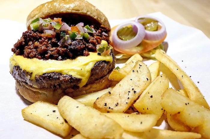 restoran burger di singapura 1