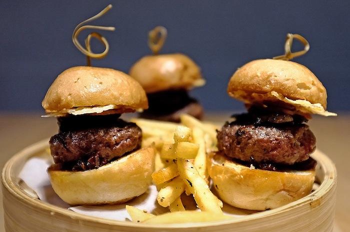 restoran burger di singapura 2