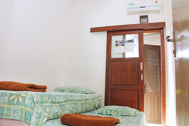 Twin Bed AC - USD11