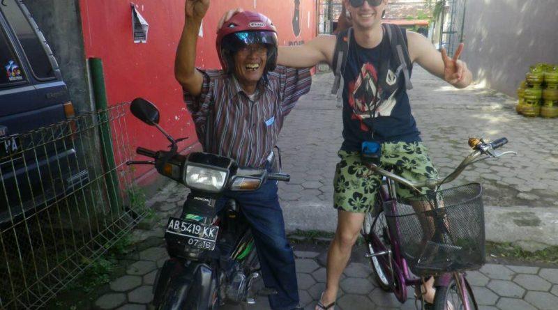 sightseeing yogyakarta by bike