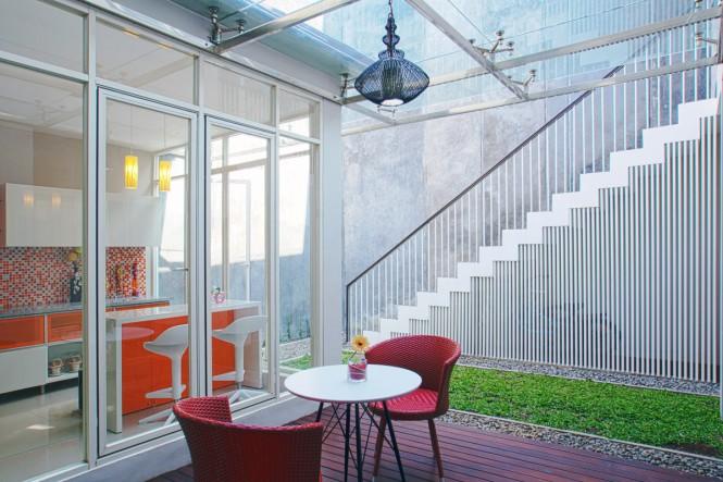 12. Ruang Makan Semi Outdoor View 2