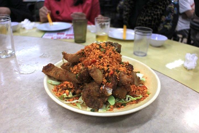 makanan khas hong kong kaki babi krispy