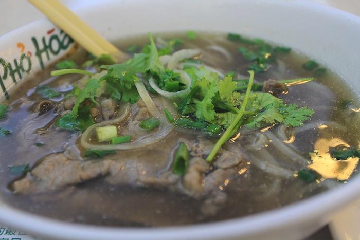 makanan khas hong kong wonton noodle