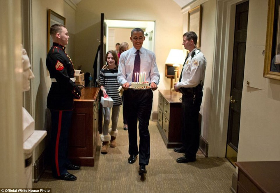 foto-obama-di-dalam-white-house