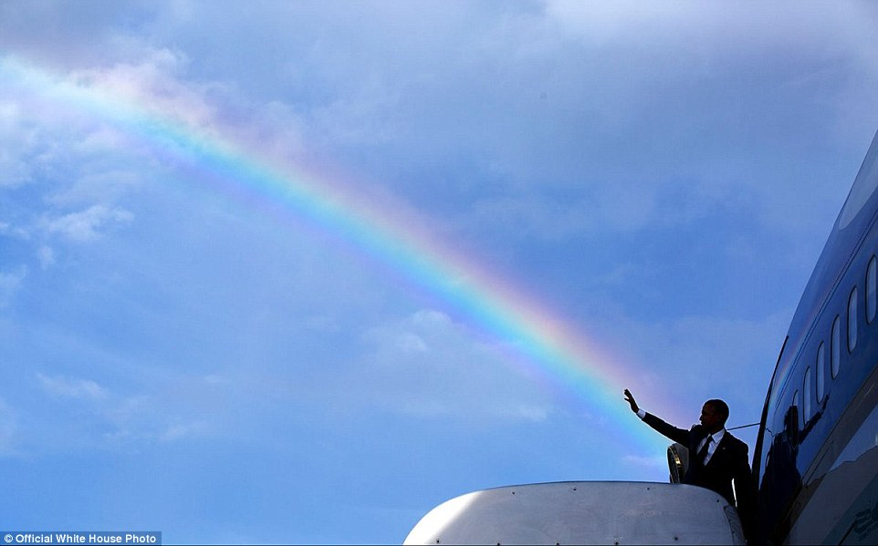 foto-obama-naik-air-force-one
