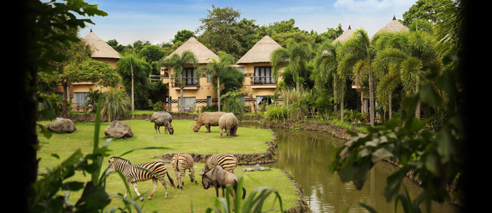 hotel-unik-di-dalam-bali-safari-marina-park