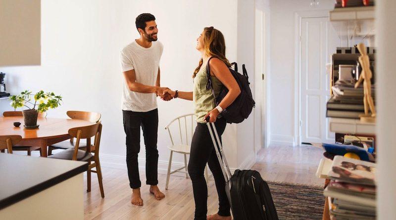 BUKAN UANG!!! Ada Keuntungan Yang Jauh Lebih Besar Jika Anda Jadi Host Airbnb