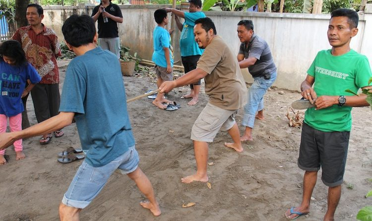 indonesian rope pull