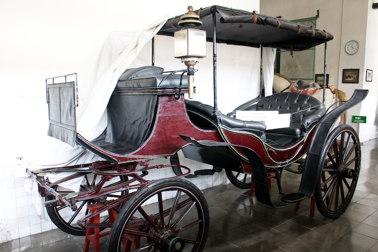 sultan horse carriage
